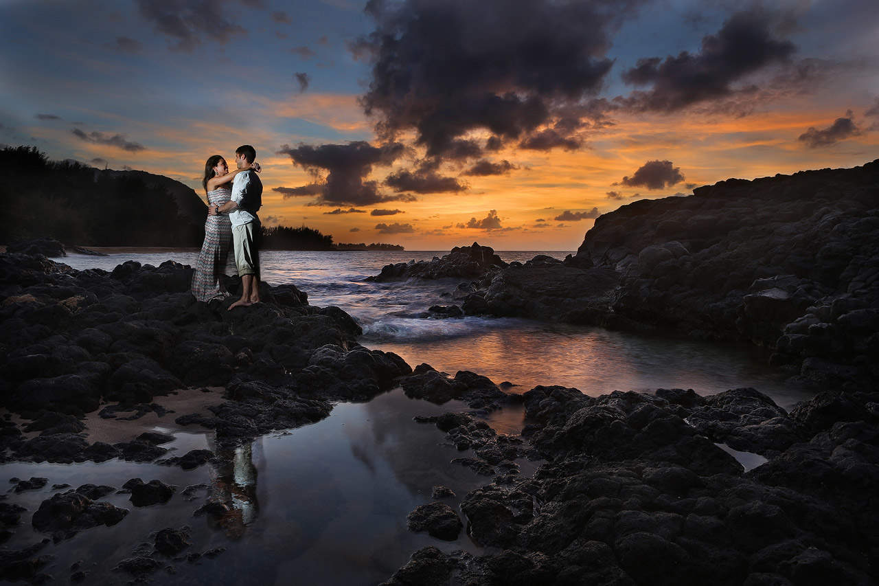 jonathan-moeller-photographer-kauai-hawaii-wedding-photographer-beach-4