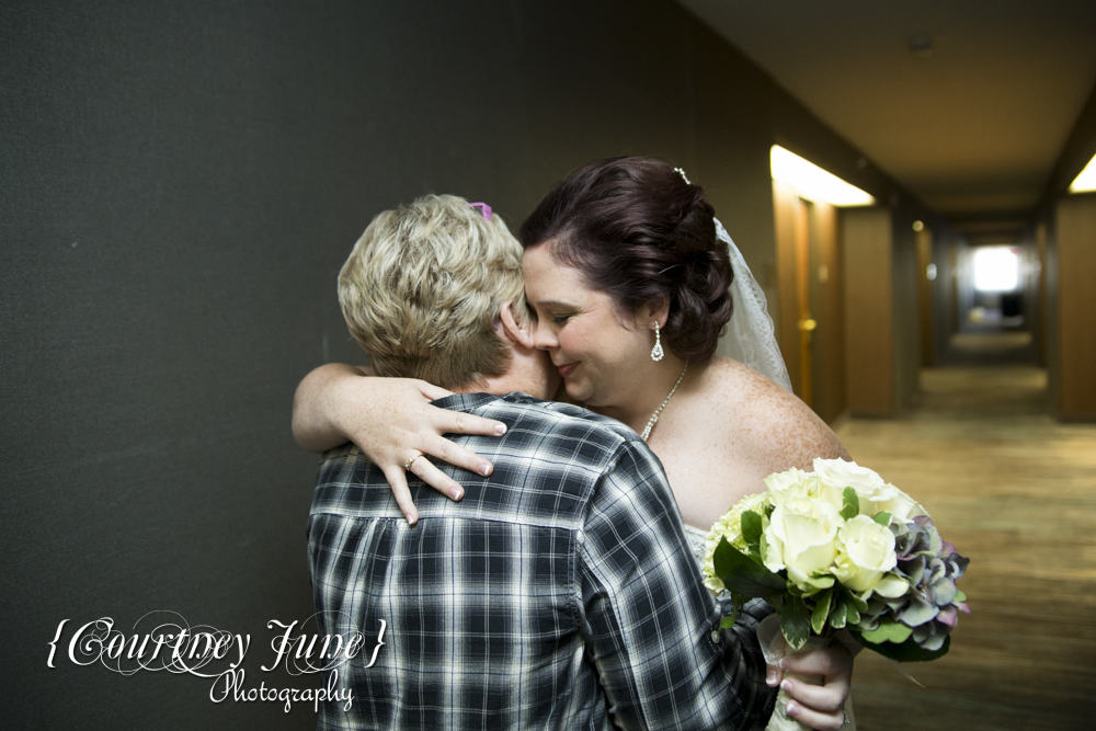 minnetonka-minneapolis-marriott-southwest-minneapolis-wedding-photographer-12