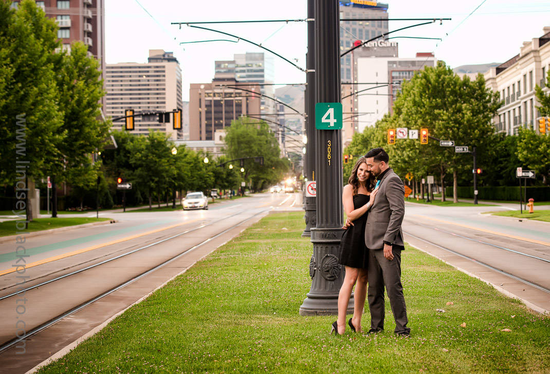 Utah Wedding Photographer | Lindsey Black | Downtown Salt Lake Engagements with the skyline