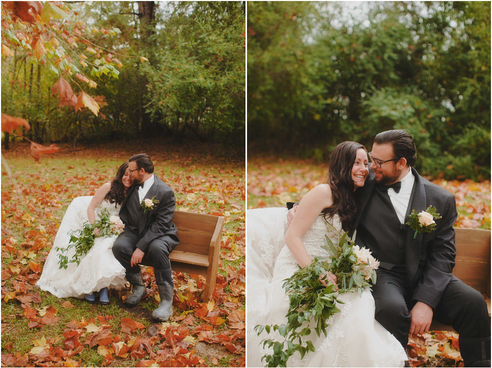 fall-rainy-wedding-photographer