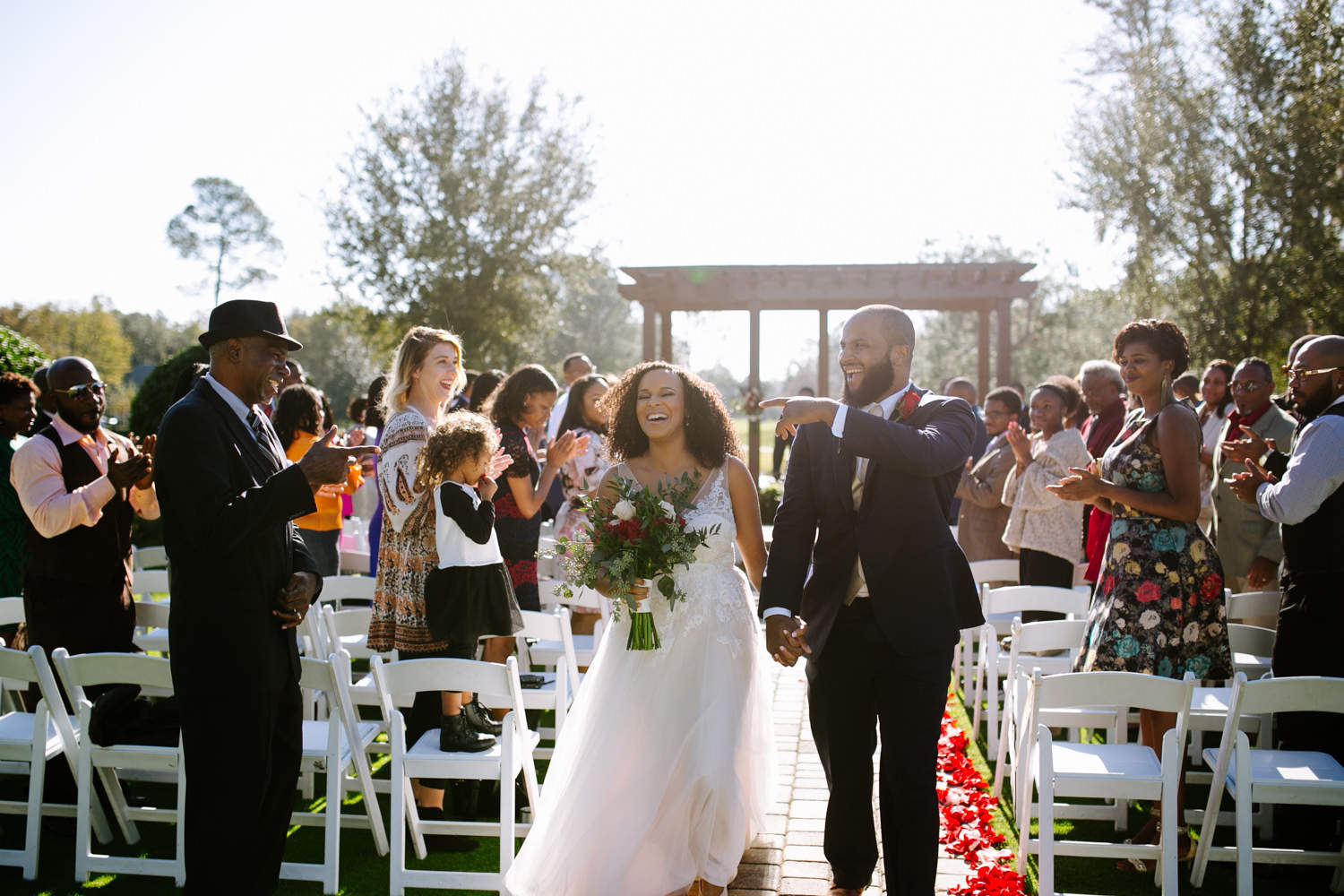 Outdoor wedding ceremony in Florida
