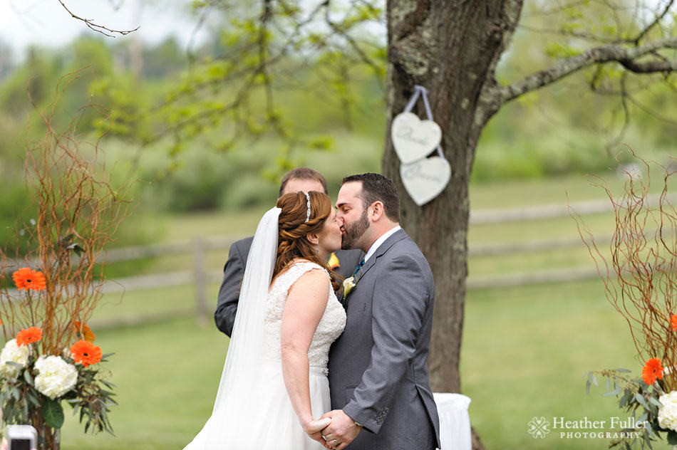 publick_House_historic_Inn_wedding_photographer_meadow_outdoor_rustic_ceremony