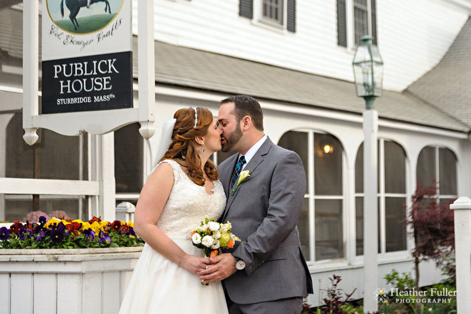 publick_House_historic_Inn_wedding_photographer_modern_portraits