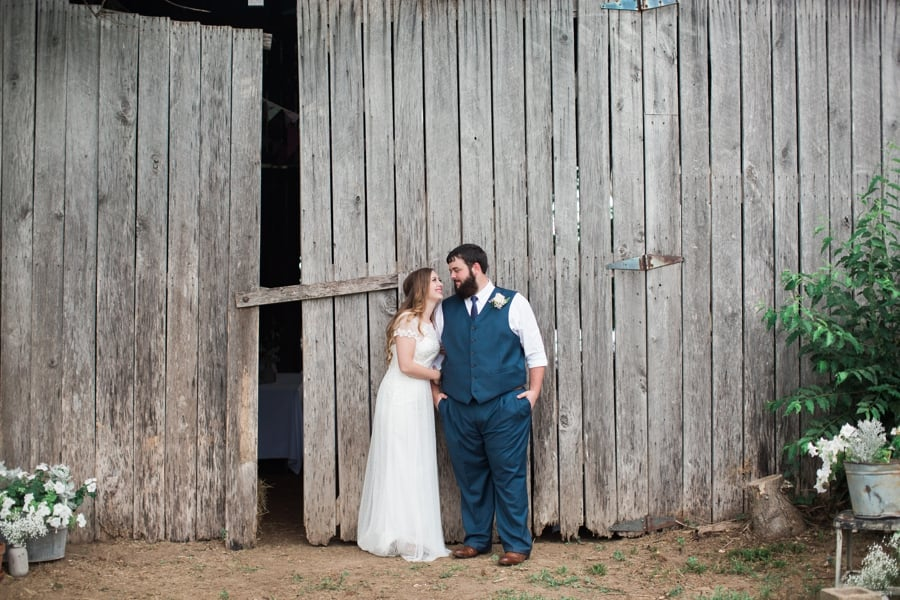 Stephanie Tylers Chattanooga Backyard Barn Wedding Chattanooga Wedding Photographer_0011