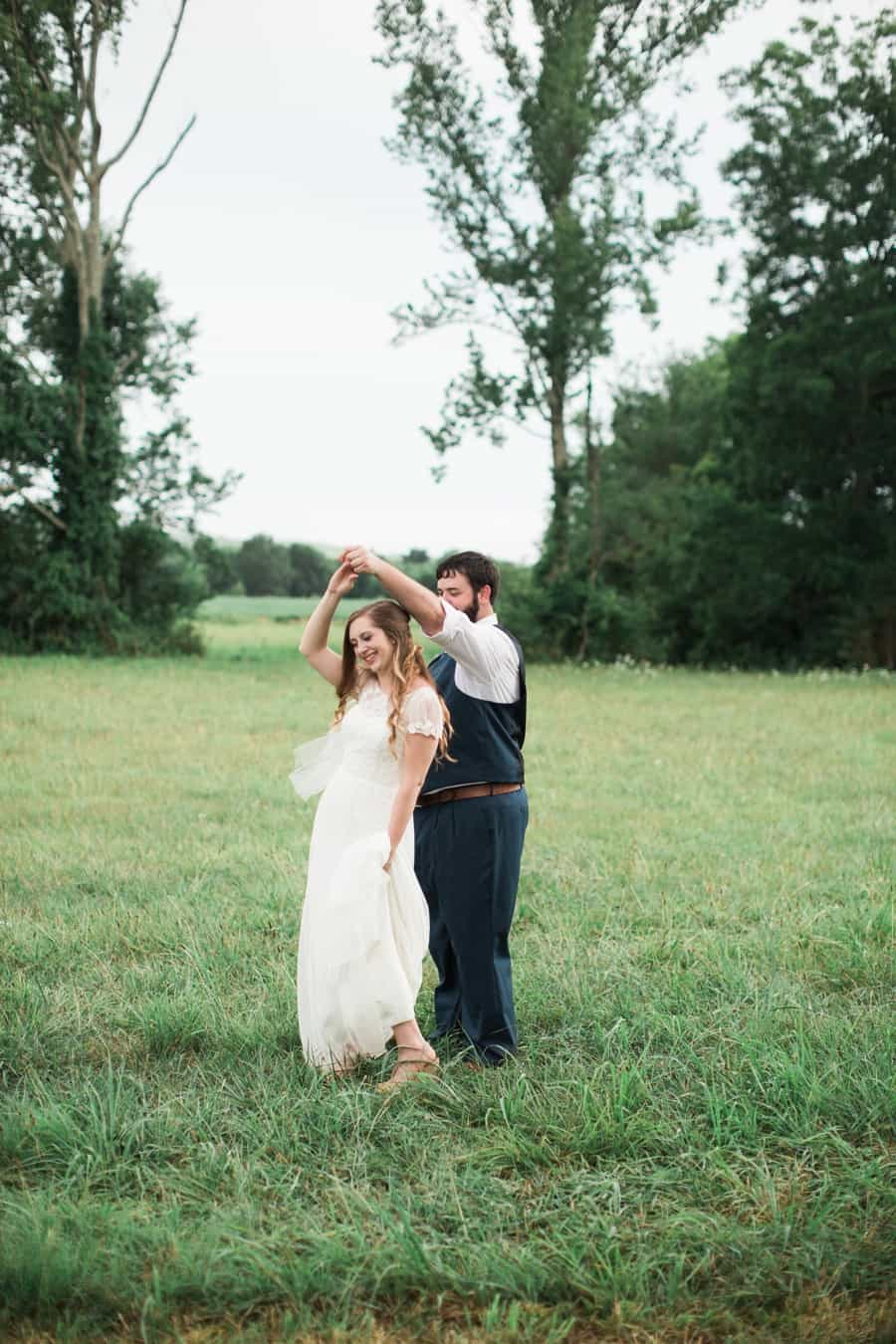 Stephanie Tylers Chattanooga Backyard Barn Wedding Chattanooga Wedding Photographer_0012