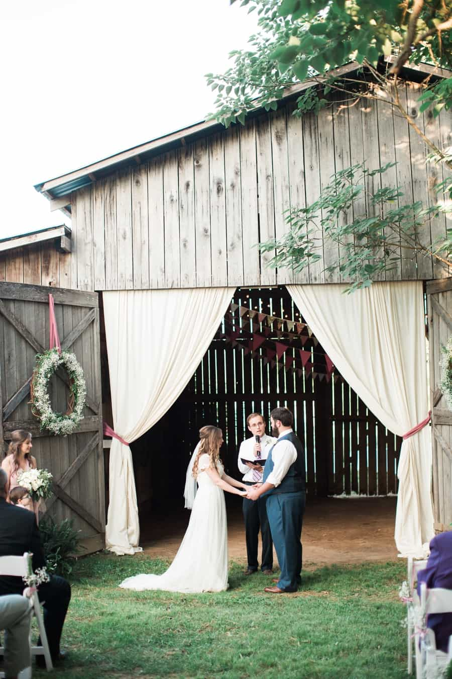 Stephanie Tylers Chattanooga Backyard Barn Wedding Chattanooga Wedding Photographer_0017