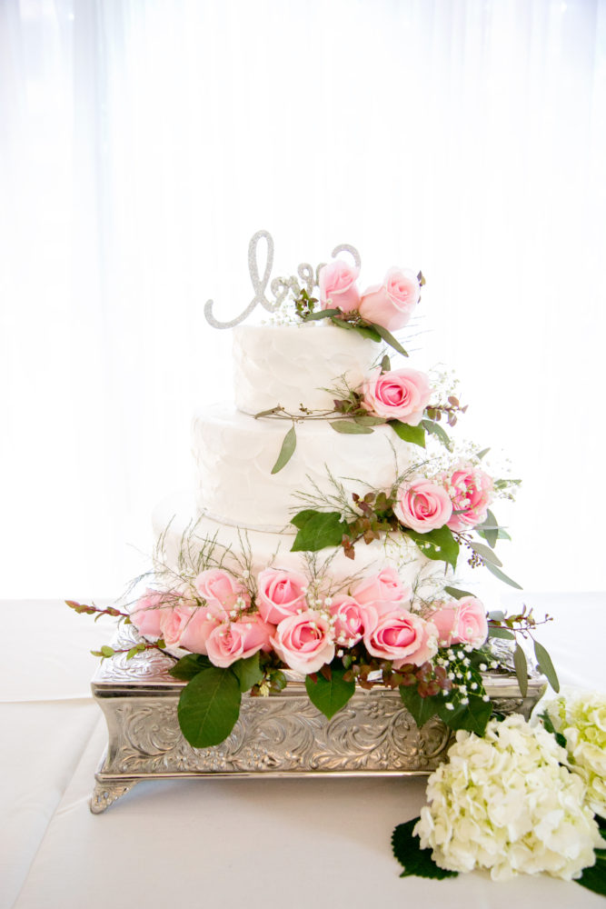 Garden Wedding Cake ST Photography
