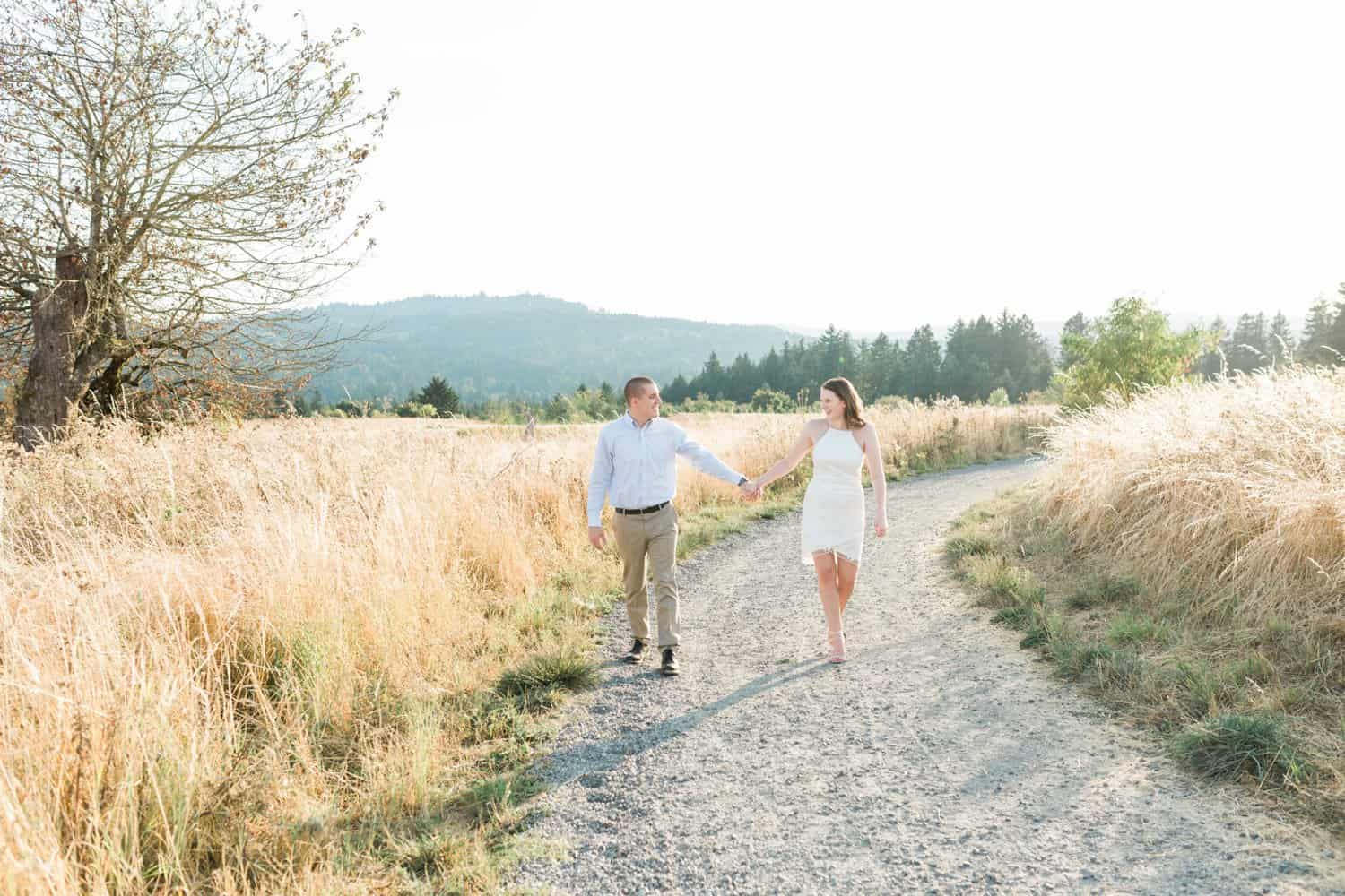 Oregon bride and groom take engagement photos in Portland