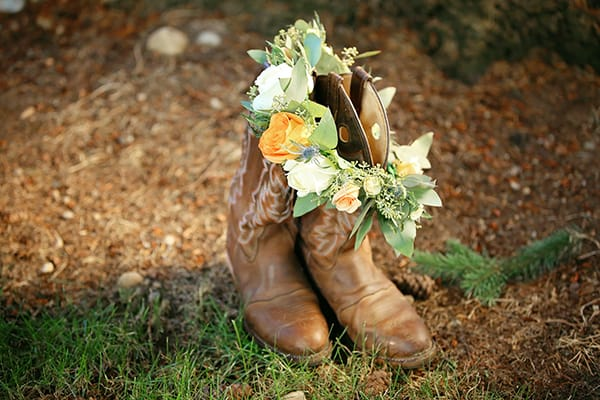 Cowboy boots and a flower crown, image by Puyallup senior photographer, Tara Giles Photography