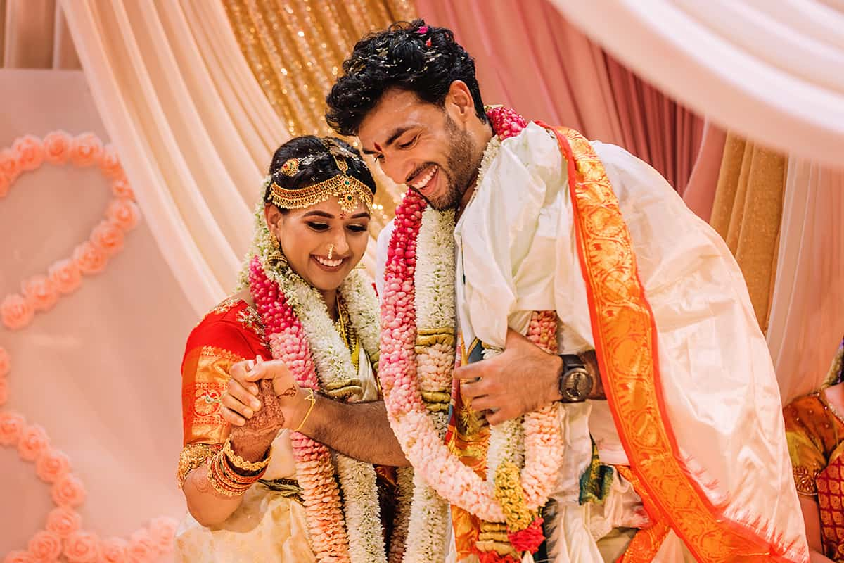 Best Moments And Poses In Indian Weddings